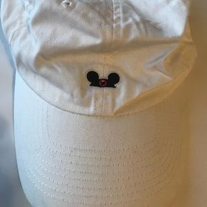 Mickey Mouse white Disney dad hat baseball cap